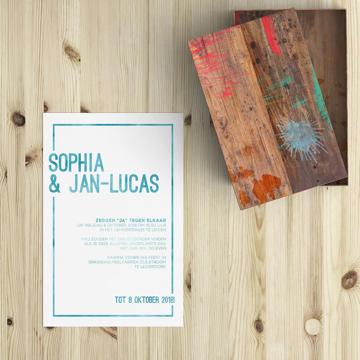 Mooi en beeldend waterverf effect is op trouwkaart Watercolor Frame gebruikt om zowel de tekst als het frame te kleuren, met bijzonder resultaat. Voorkant van trouwkaartje.