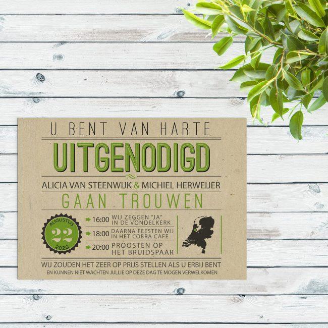 Trouwkaart Vintage Green is een typografisch en retro ontwerp. Grote letters, mooie groene kleuraccenten, en gedrukt op het bijzondere Paperwise papier.