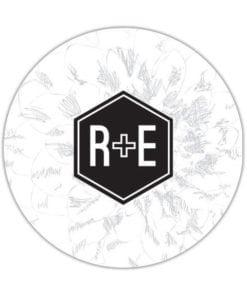 Rond bierviltje met een trouwlogo. Dit monogram bestaat uit jullie initialen met een +-teken daartussen. Super leuk voor bij het trouwfeest!
