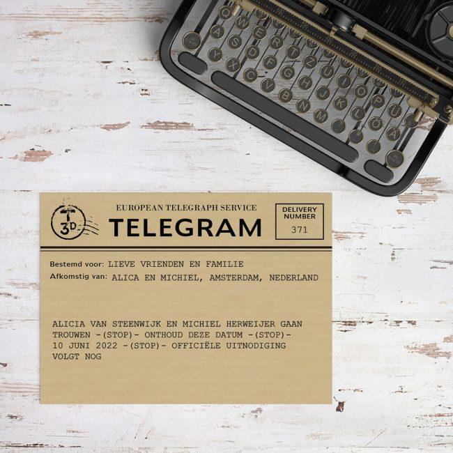 Save the date kaart Telegram lijkt op authentieke, hele oude telegrammen. Humoristische tekst.