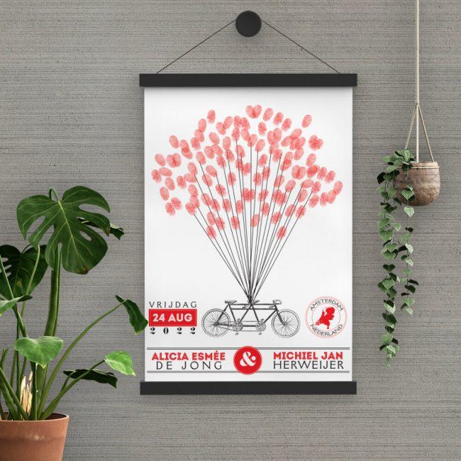 Poster Vintage Tandem is een alternatief gastenboek waar elke gast hun vingerafdruk op zet als een ballon die jullie tandem doet opstijgen.