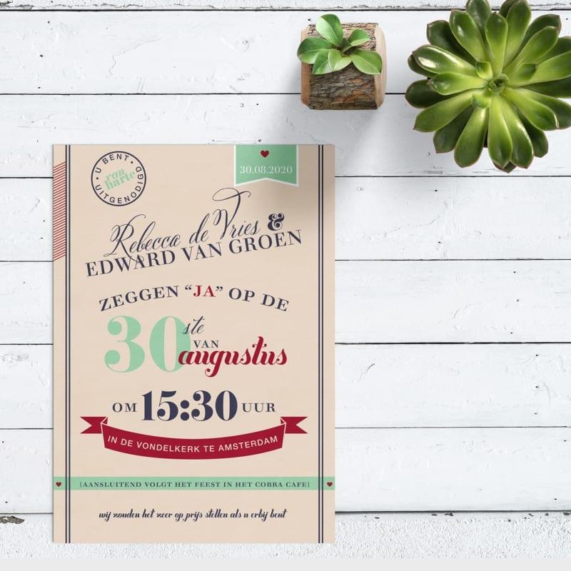 Trouwkaart Modern Retro Aankondiging is kleurrijke uitnodiging vol details, retro kleuren, creatieve typografie.