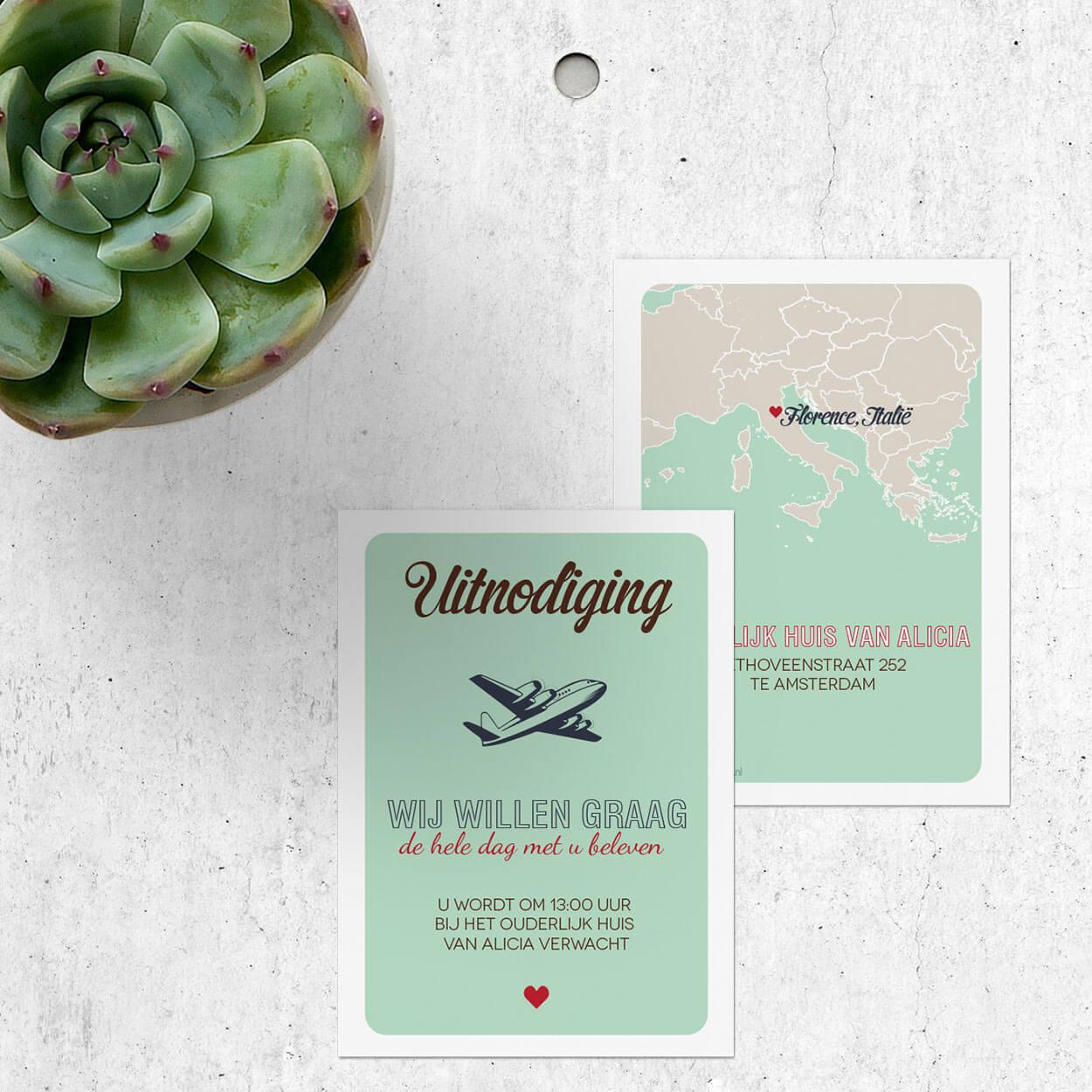Inlegvel Landkaart Europa past bij de gelijknamige trouwkaart en is bedoeld als extra kaartje voor meer informatie. Met retro vliegtuig.
