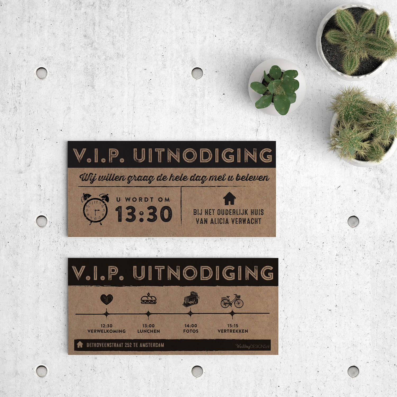 Bijpassend inlegvel ticket--VIP kaart--voor trouwkaart Ticket op kraftpapier. Speciaal voor je daggasten kun je een mooi programma met icoontjes ontwerpen. Voor- en achterkant van het inlegvel.