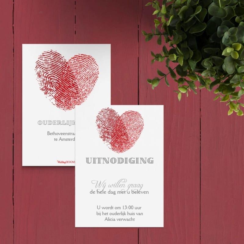Een klein kaartje voor bij de trouwkaart met extra informatie voor een specifieke groep gasten, in leuke Vingerafdrukken stijl.